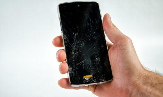 ekrani cizilen cep telefonlari nasil korursunuz teknosa