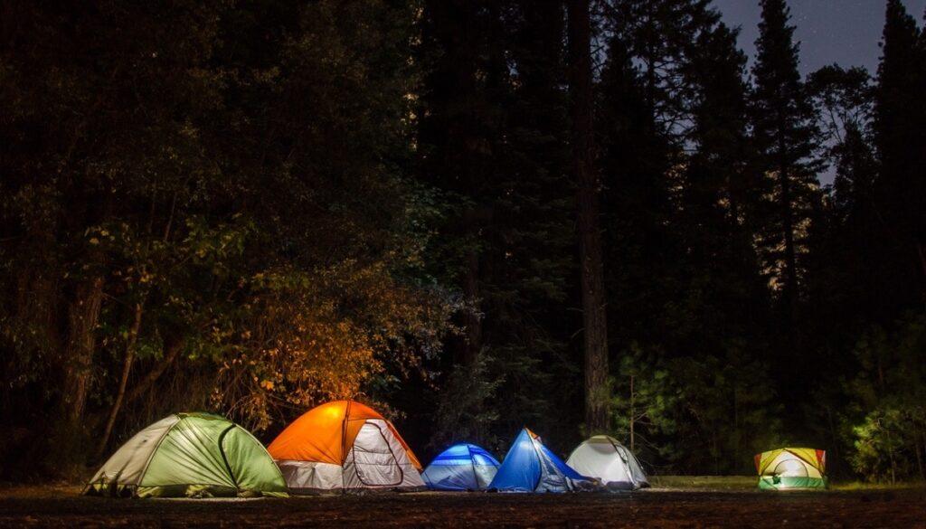 kamp yaparken yaniniza almaniz gereken elektronik cihaz teknosa